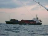 朝早くから 外国船が釜山へ