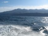海から見る知床連山は船に乗らないと見ることができません