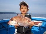 鈴鹿市の渥美君、小学1年生です真鯛47㎝