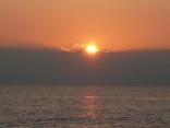 雲の上から日の出