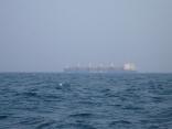 外国船も霞んで見えます