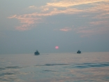 イカ釣り船が帰港