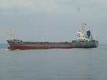 外国船近くを通過します 博多港行き