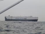 近くを外国船が通過します