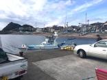 船の前が駐車場となります