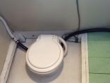 女性用の水洗トイレ、取り付け完了です。