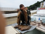 松山市伊藤さん夫妻が ●アラ6kg・5kg・4.5kg を計5尾