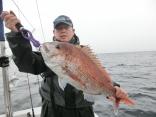 75cmを釣り上げた青森からお越しの高橋さんです。