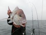 73cmを釣り上げた青森からお越しの顔無しさんです。