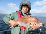 竿頭で4枚、57cmを釣り上げた仙台からお越しの佐々木さんです。