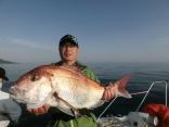 73cmを釣り上げた青森市の豊川さんです