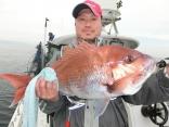 一番の大物を釣った釣り人その1です
