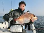 62cmと50cm2枚を釣り上げた釣り人です。