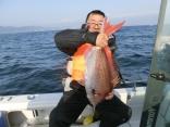 70cm釣りあげた釣り人です。