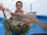 水深60mで釣れたオオニベ